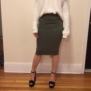 Forest green over the knee cotton skirt size small